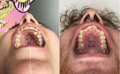Nový trend: Tínedžeri si nechávajú tetovať na podnebie v ústach penisy, prsia či mimozemšťanov