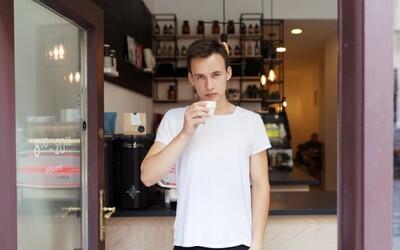 Novým slovenským kráľom v príprave kávy je Mário, bude nás reprezentovať v Bostone (Rozhovor)