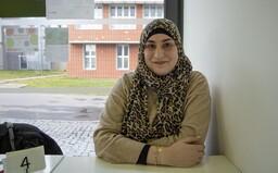 Nur Ashraf Bekai určí romské děti ve vyloučené lokalitě. Do Česka přišla z Libanonu (Rozhovor)