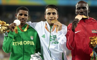 Obdivuhodné výkony z paralympiády. Až štyria hendikepovaní atléti prekonali v behu na 1500 metrov víťazný čas z olympiády