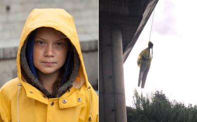 Oběšená figurína Grety Thunberg na mostě v Římě vyvolala obrovské znepokojení. Policie už zahájila vyšetřování