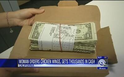 Objednala si kuřecí křídla a v krabici místo nich našla 5000 dolarů. Vrátila je a dostala pizzu na rok zdarma