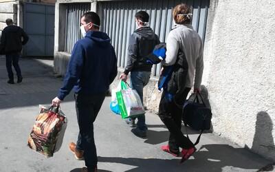 Obvinených robotníkov, ktorí prerazili plyn pred výbuchom v Prešove, prepustili. Stretli sme sa s nimi pred väznicou