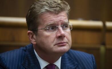 Obvinili Ficovho exministra a Pellegriniho poslanca Petra Žigu