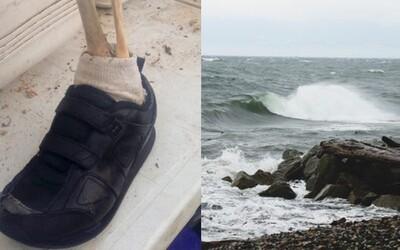 Obyvatelé kanadské osady se nestačí divit. Moře jim na pláž vyplavilo už třináctou lidskou nohu