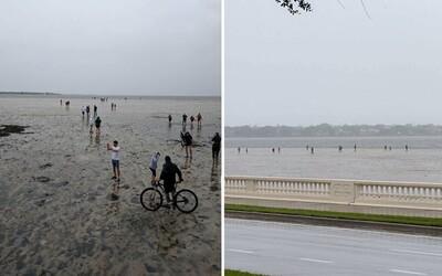 Oceán po hurikánu Irma zmizel i na Floridě. Lidé kráčeli desítky metrů po místech, kde byla před pár hodinami voda