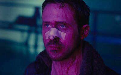Očekávané sci-fi Blade Runner 2049 okouzluje dalším dech vyrážejícím trailerem a pomalu začíná odkrývat záhadu jménem Rick Deckard