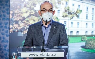 Očkování na covid vakcínou Sputnik V v Česku zatím nezačne. Počkáme, než jej schválí Evropská léková agentura, tvrdí Blatný