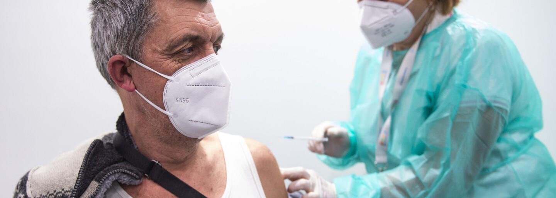 Očkování v krajích: V Praze dostalo vakcínu více než půl milionu lidí, nejméně očkovaných je ve Středočeském kraji
