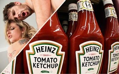 Od kečupu k hardcore pornu je to jen kousek. Stačí oskenovat QR kód z kečupu Heinz
