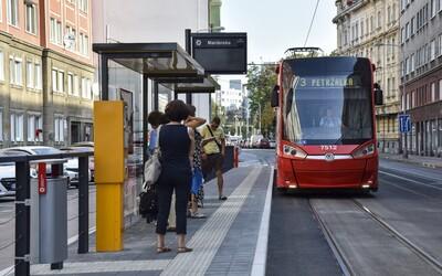 Od soboty jazdia električky v Bratislave úplne zmenenými trasami