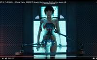 Od vizuálně dokonalého Ghost in the Shell s okouzlující Scarlett Johansson v prvním traileru neodtrhnete oči