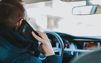 Oddnes sa pokuty za používanie mobilov zdvojnásobili, zaplatíš aj 200 eur