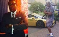 Odišiel z univerzity a keď sa mu v mesiaci nedarí, zarobí 30-tisíc libier. Elijah miluje drahé autá, ale stará sa aj o rodinu