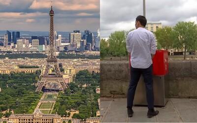 Odkryté pisoáre v uliciach romantického Paríža znechutili miestnych. Nechcú sa z okien pozerať na mužov pri potrebe