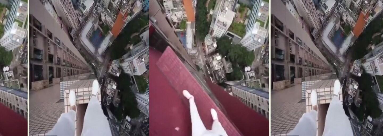 Odvážny milovník adrenalínu preskočil v Hongkongu z jedného mrakodrapu na druhý. Žiadne istenie pritom neprichádzalo do úvahy