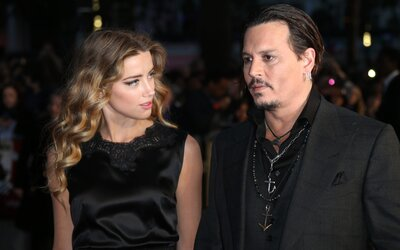 On ji údajně bil, ona ho prý podváděla s Muskem. Soud mezi Johnnym Deppem a Amber Heard odrývá detaily o jejich vztahu