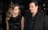 On ju mal mlátiť ako žito, ona ho vraj podvádzala s Muskom. Súd Johnnyho Deppa vynáša pikantné detaily o vzťahu s Amber Heard