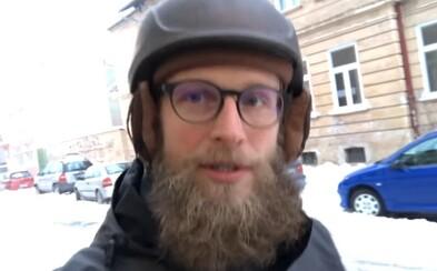 Ondreja z Košíc si slovenský internet zamiloval. Nezáleží, koľko kto točí lóve, pretože sneh aj tak spadne na každého, hej?