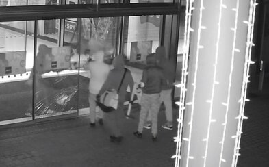 Opäť ako cez kopirák: Zlodeji  tentoraz kradli v nákupnom centre v Prahe