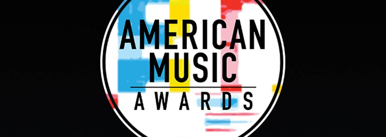 Opět zamilovaní G-Eazy s Halsey nebo Post Malone ve stylu divokého západu. Jaké outfity přinesly American Music Awards?