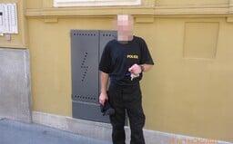 Opilý muž se v Praze vydával za policistu. Chtěl jezdit zadarmo městskou dopravou