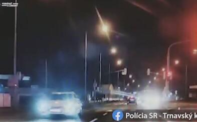 Opitý Bratislavčan svojou šialenou jazdou na R1 ohrozoval vodičov v protismere. Nafúkal takmer 2 promile