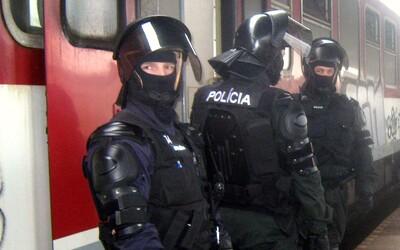 Opitý Slovák chcel zistiť, za aký čas príde polícia, tak nahlásil bombu. Hrozí mu až 5-ročné väzenie