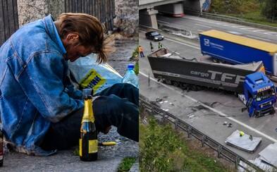 Opitý slovenský kamionista havaroval na rakúskej diaľnici, zapríčinil 10-kilometrovú kolónu