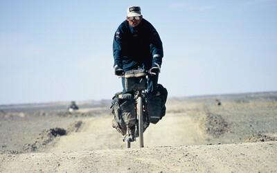 Oprášil bicykel, vydal sa na ňom do Ázie a pokoril Mount Everest bez prístrojov. Príbeh odvážneho Švéda skrýva aj ďalšie zaujímavosti