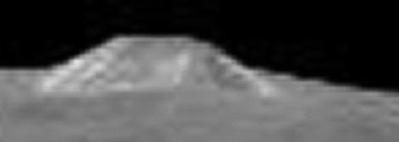 Osamotená hora na planétke Ceres má okolo seba stále veľa otáznikov, no na Zem už dorazili jej nové zábery
