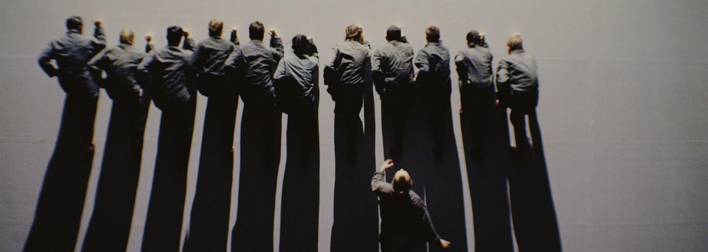 Oscarový režisér a zpěvák Radiohead natočili v Praze krátký film. Premiéru měl na Netflixu