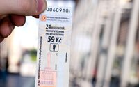 Ostrava definitivně ruší papírové jízdenky, chce, aby cestující platili kartou