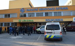 Ostravský masakr má sedmou oběť, žena podlehla těžkým zraněním