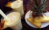 Osviežujúce Piña Colada smoothie plné bielkovín ti spríjemní horúce letné dni (Recept)