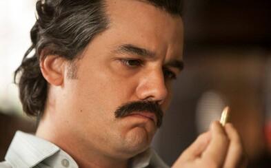 Pablo Escobar cíti na najnovších záberoch pre druhú sériu Narcos blížiacu sa smrť