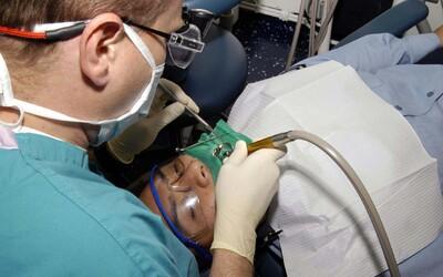 Pacientovi v Bratislave údajne vytrhli iný zub, než o ktorý požiadal