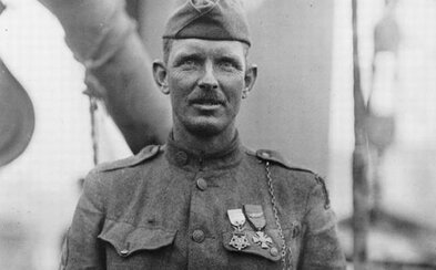 Pacifista, ktorý sám vystrieľal dve desiatky útočiacich Nemcov. Alvin York čelil samopalom a bajonetom, ale odmietol sa vzdať
