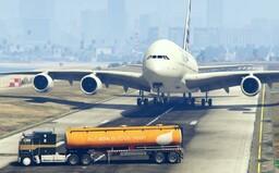 Pákistánský politik ocenil reakce pilota z GTA V. Spletl si realitu se záběry ze hry