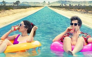 Palm Springs je obrovský hit, ktorý trhá rekordy. Jeden z najlepších filmov roka sa stal najsledovanejším filmom na Hulu