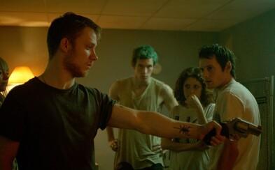 Pankáči, náckovia, Patrick Stewart a brutalita sa v Green Room spojili a vytvorili svižný a napínavý zážitok (Tip na film)