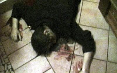 Pápayové vraždili bílé koně a na ulici bili kolemjdoucí. Policisté mafiány zdravili a raději se dívali jinam