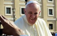 Papež František vzkazuje rodičům LGBTI dětí: Bůh miluje vaše ratolesti takové, jaké jsou