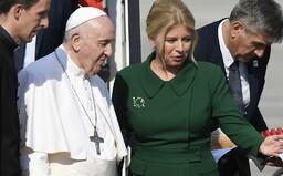 Pápež sa pri Čaputovej cíti, akoby omladol. Cesta na Slovensko ho naplnila energiou, tvrdí