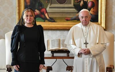 Papež už v neděli navštíví Slovensko. Jeho příjezd bude doprovázet demonstrace tisíců lidí za odluku církve od státu