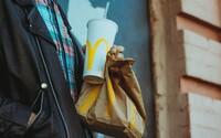 Papírová brčka z McDonaldu nejdou recyklovat, přiznal řetězec. Na rozdíl od plastových, u nichž to možné bylo