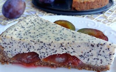 Parádní cheesecake se švestkami a mákem, který ti svou chutí rozhodně zlepší den (Recept)