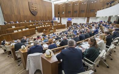 Parlament neschválil návrh zákona, ktorý mal sťažiť prístup k interupciám