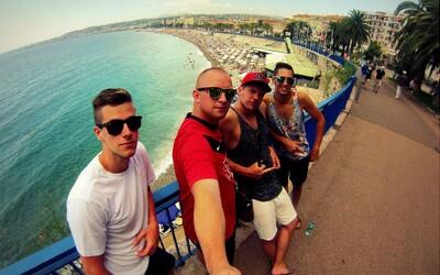 Parta kamarádů na roadtripu plném zážitků napříč Evropou (Rozhovor)