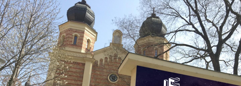 Partia Slovákov ponúka na airbnb celú synagógu na jedinú noc v roku. Ak chceš spať, tak tam určite nechoď